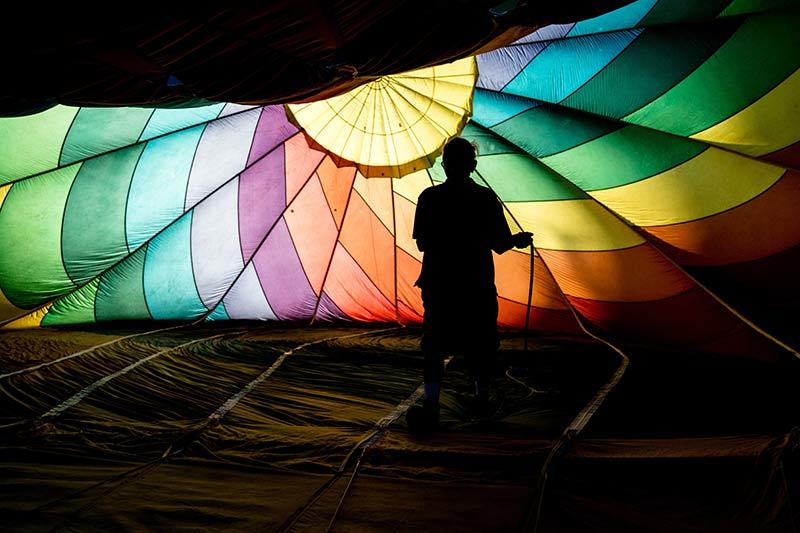 In een luchtballon kan je een bijzondere kleurrijke achtergrond vastleggen